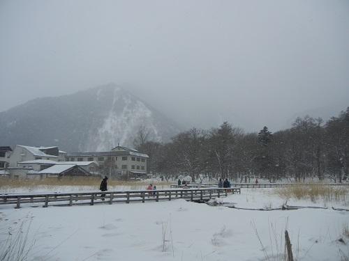 雪中行軍.jpg